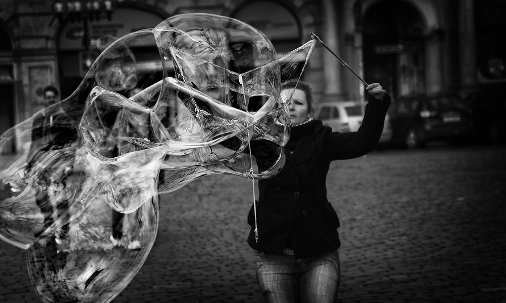 Stunning Street Photography – Capturing a Moment in Time - Girly Design Blog