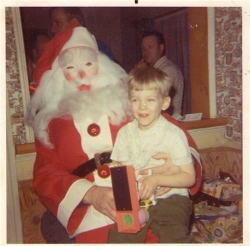 30 Creepy Santas That Will Give You Nightmares - Joyenergizer