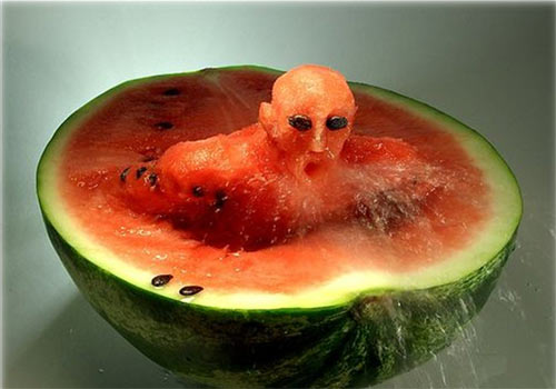 cute-art-made-from-fruit (1)