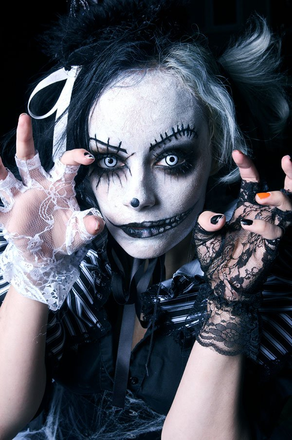 35 crazy halloween costumes makeup ideas girly design blog. Black Bedroom Furniture Sets. Home Design Ideas