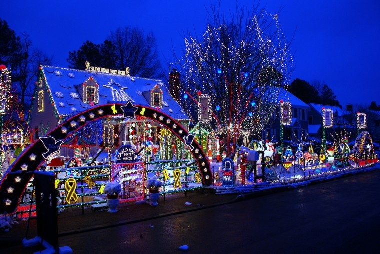 Let it Glow! Colourful Christmas Lights Displays - Girly Design Blog